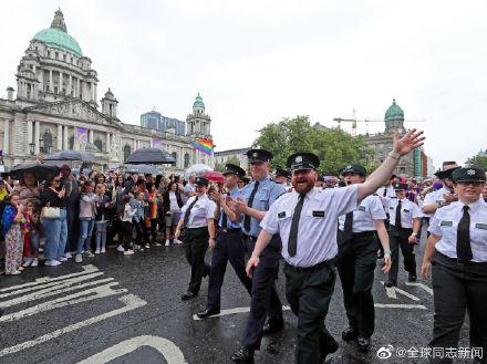 爱尔兰的总理参加北爱尔兰的LGBT骄傲游-行 同志新闻 第6张