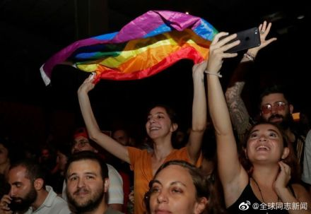 阿拉伯也有彩虹:黎巴嫩的LGBT友好乐队Mashrou' Leila受到关注 同志新闻 第5张