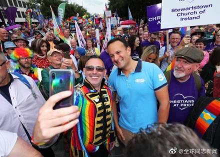 爱尔兰的总理参加北爱尔兰的LGBT骄傲游-行 同志新闻 第4张