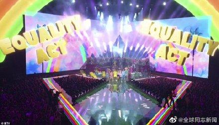 歌手Taylor Swift获MTV大奖,颁奖典礼演唱和发言力挺LGBT平权 同志新闻 第6张