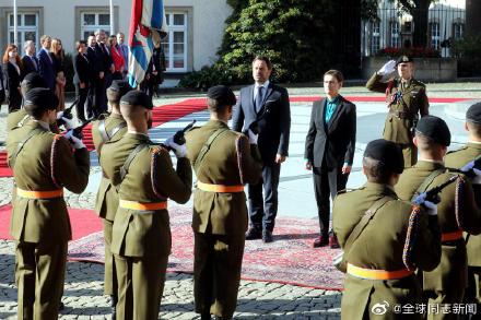 卢森堡和塞尔维亚:同性恋首相接待同性恋总理,同性伴侣也都在场 同志新闻 第6张