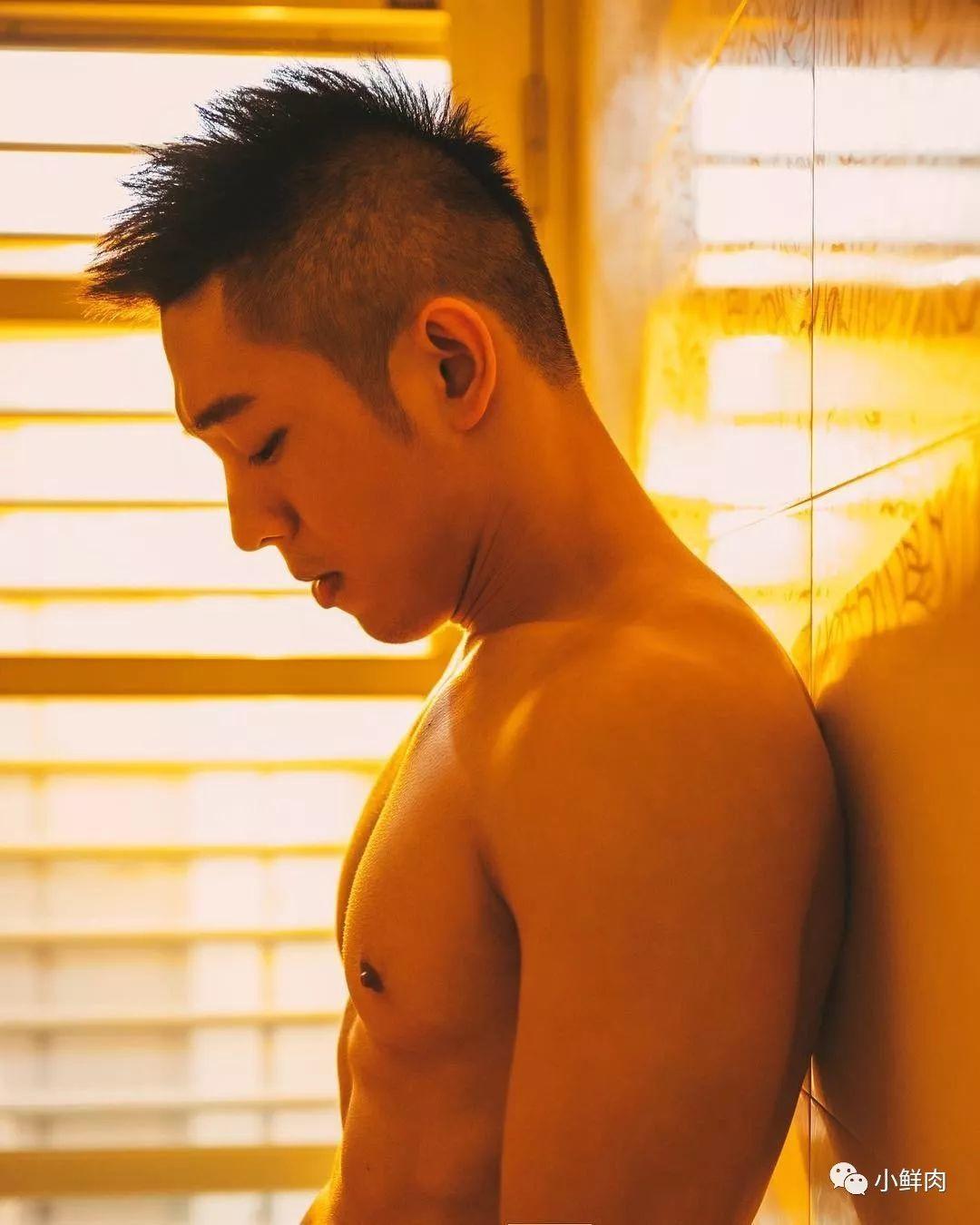 熟男网红写真硬照一览,私下的生活照更有看点!