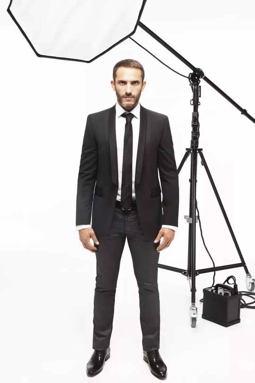 上位成功,他从老佛爷贴身保镖升级为Karl Lagerfeld个人品牌设计师!
