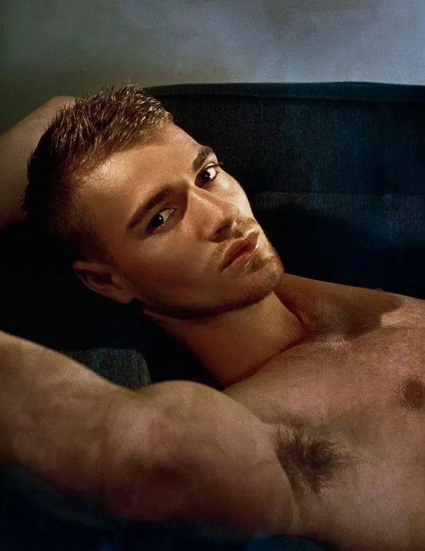二十岁的肌肉系英国男模Matty Carrington,也太早熟了吧!