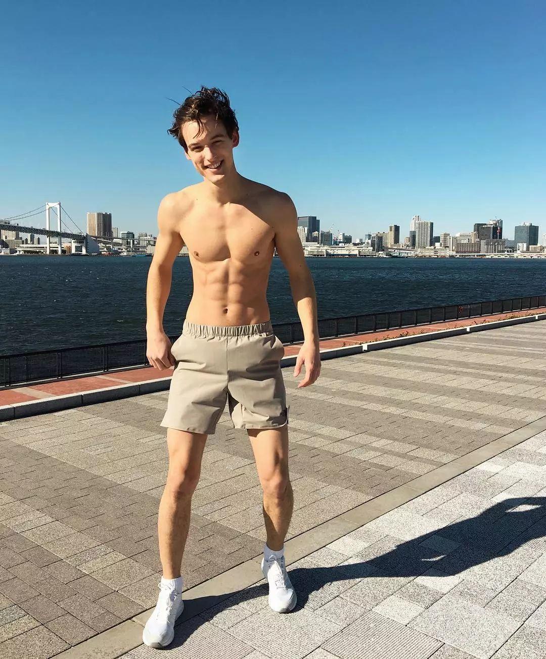 喜欢日本文化的可爱系男模 Zsombor Hajdu