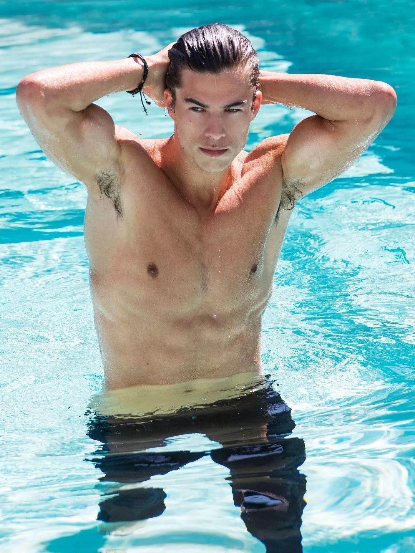 拥有内双眼皮的迈阿密男孩 Chase Mattson,身材条件可谓完美!