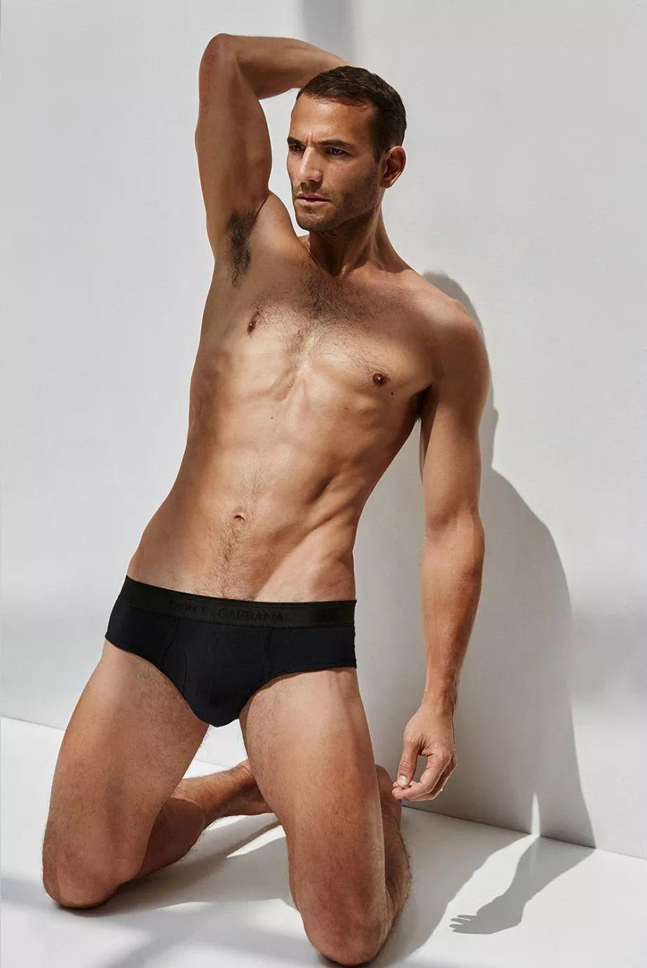 Daddy!米米仙子的前男友Enrique Palacios复出拍内裤大片!