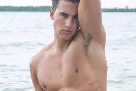 爆红健身男孩Nic Palladino,他满足了我对青春的所有向往!