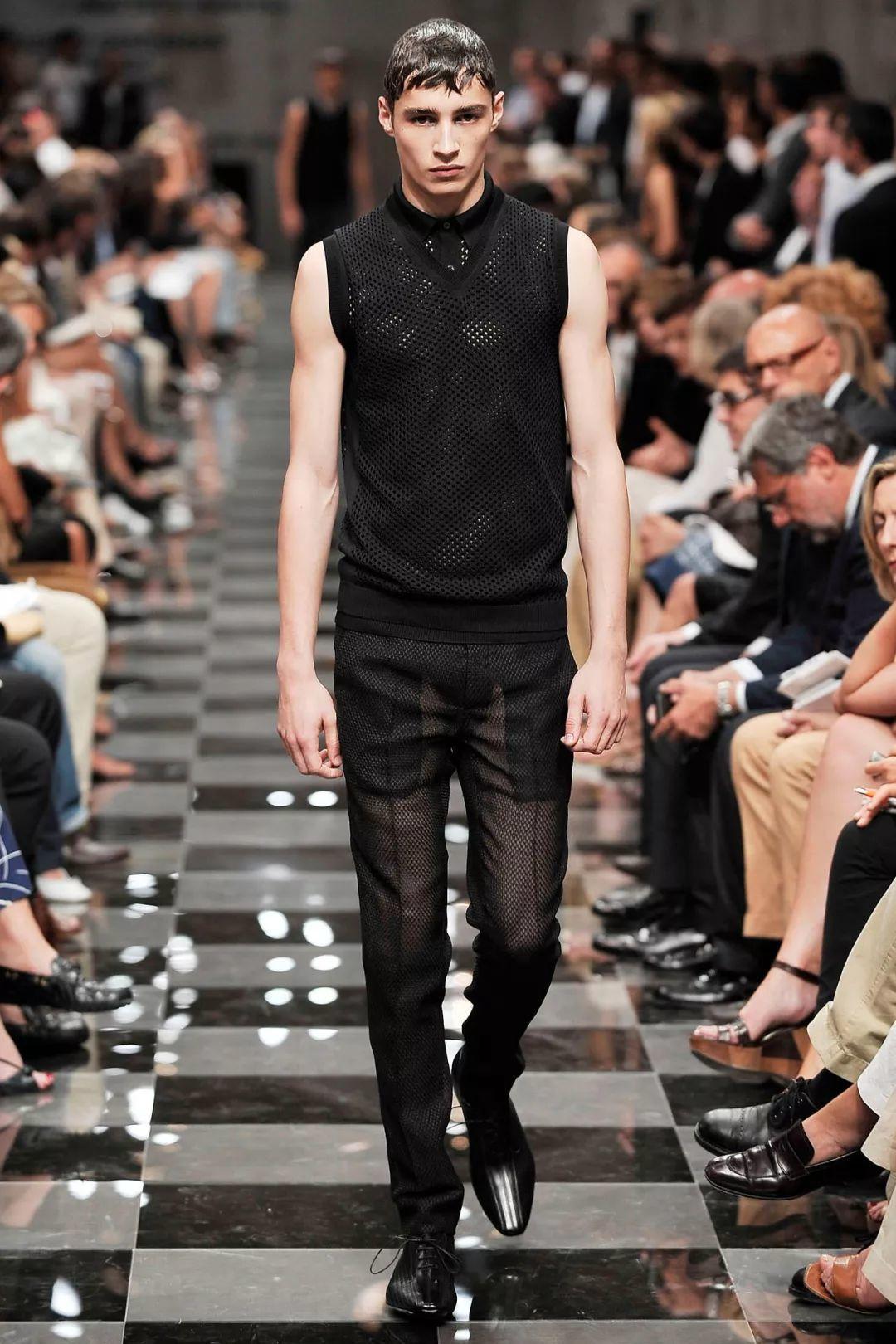 来自法国的呆萌帅模Adrien Sahores,小八卦让他更加分!