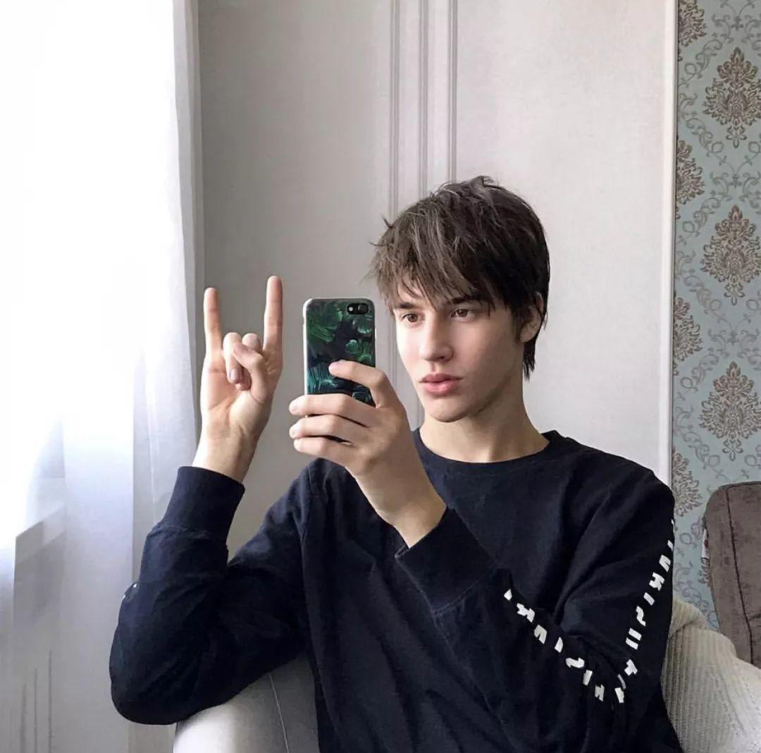 俄罗斯冰冷又阳光的天使男孩Semenov Pavel,颜值真的满分!