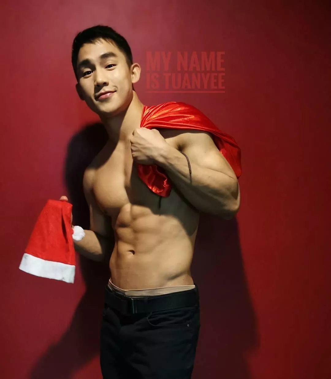 红裤衩红袜子……这些摄影师男模们可真慷慨,快收图!