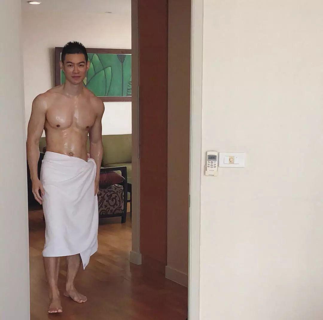 除了马赛克,就是浴巾最让人恨得牙痒痒!