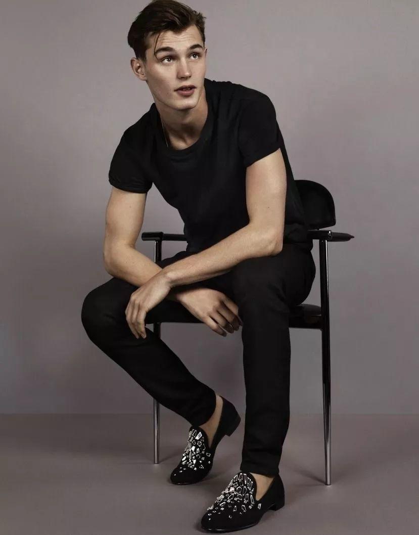 实红!1998年出生的他,2018年收获了十五支大牌广告,男模圈第一!