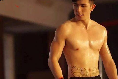咸蛋家头牌竟上综艺删微博,36个男生相争的节目是什么样的?