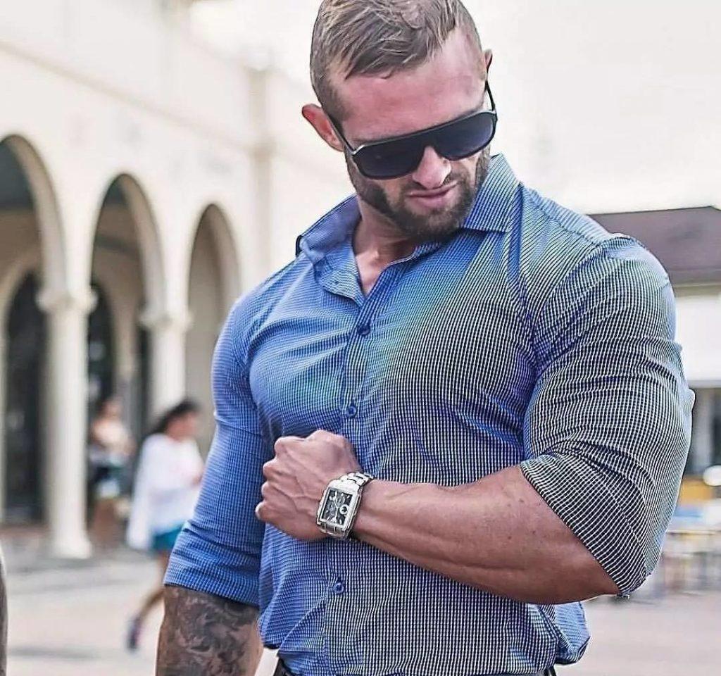 体验二头肌撑爆T恤的快感,你需要这套手臂练习