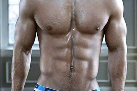 明星级健身教练为你亲自示范能快速的练出6块腹肌的标准动作