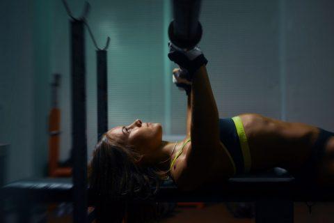 男人没肌肉,就像女人没胸一样!