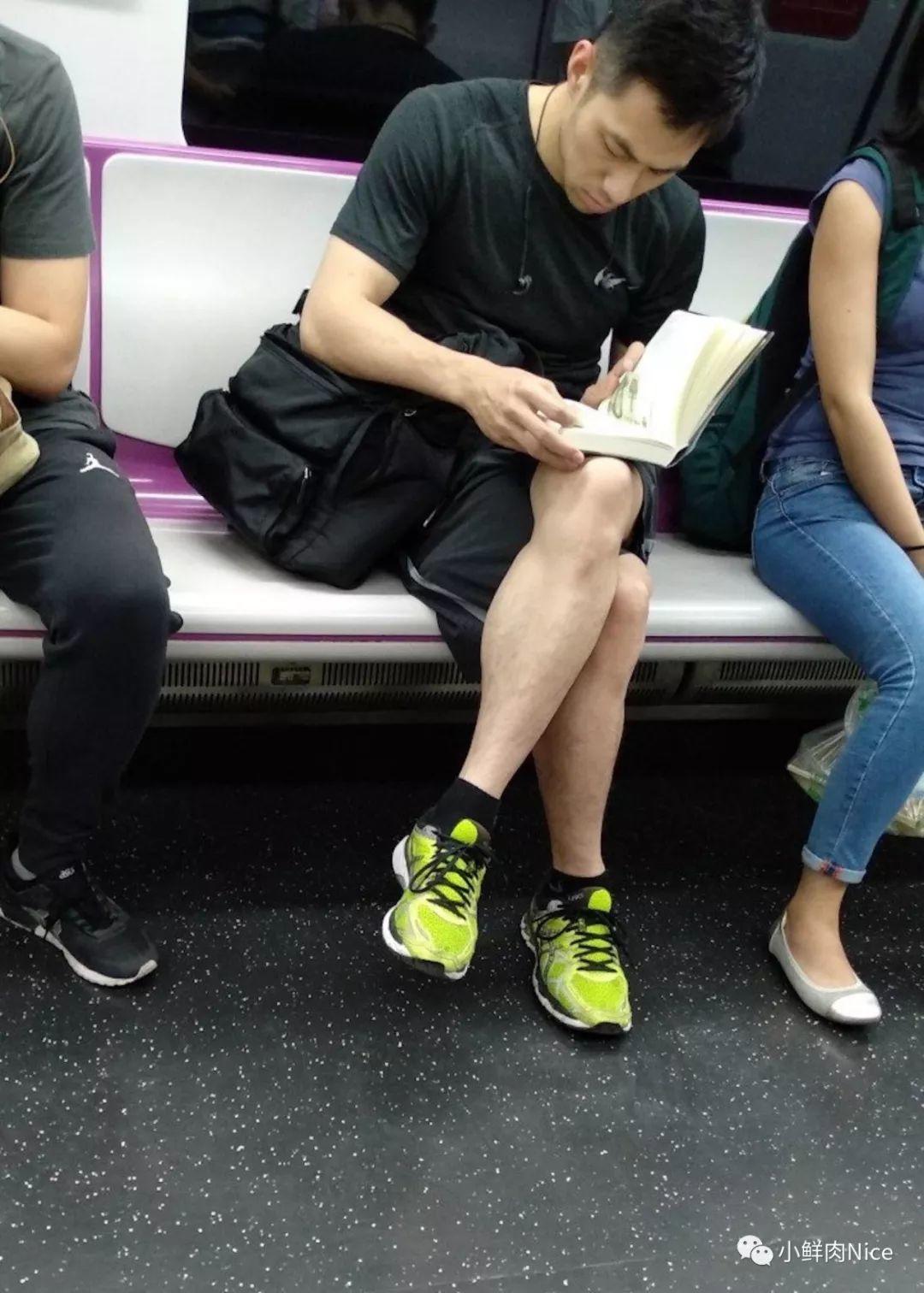 公共交通上的那些帅哥们(第一弹)