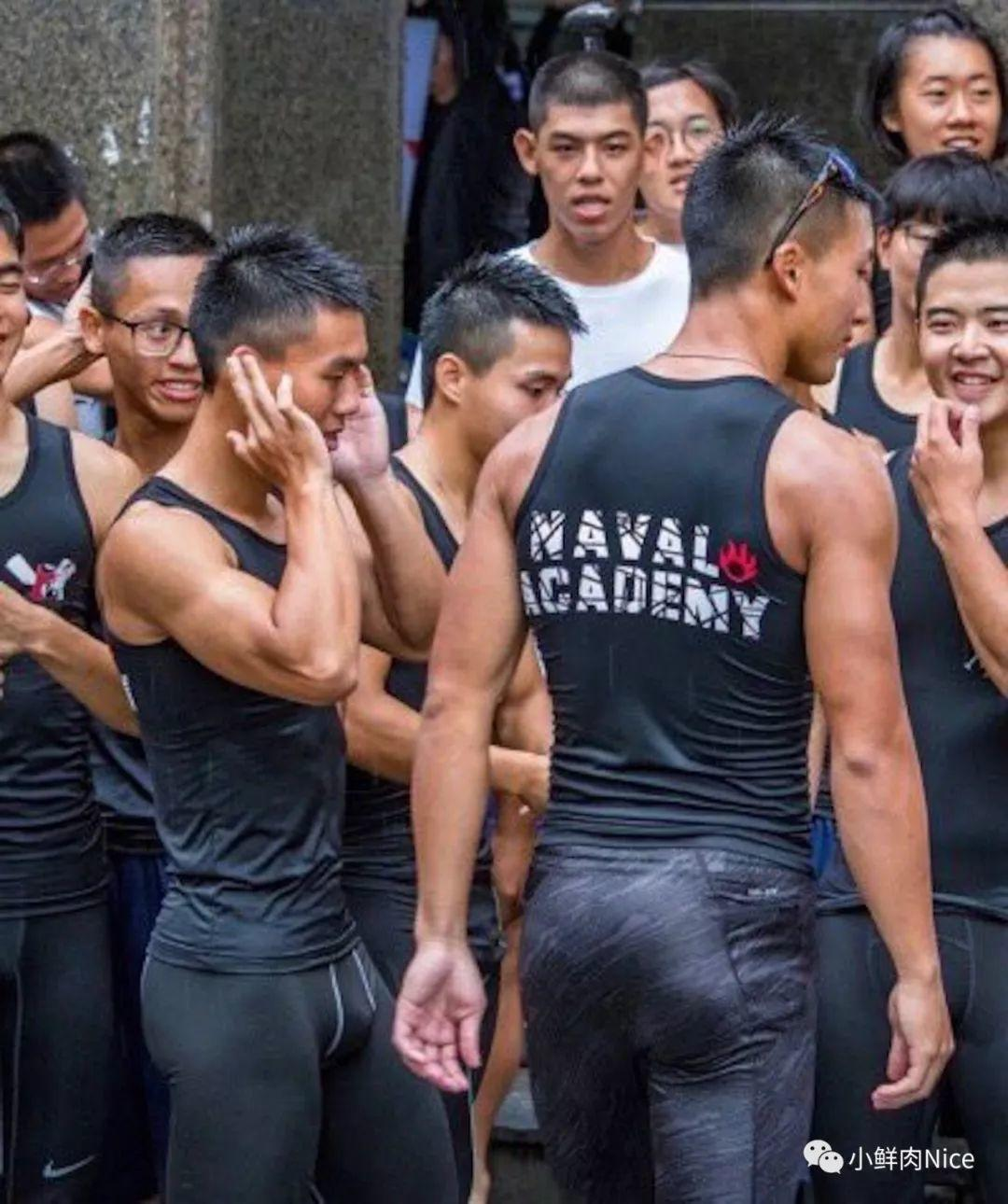 海军学生挂空挡集训,现场意外变叮当猫基地