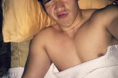 看起来坏坏的美国华裔James Mai
