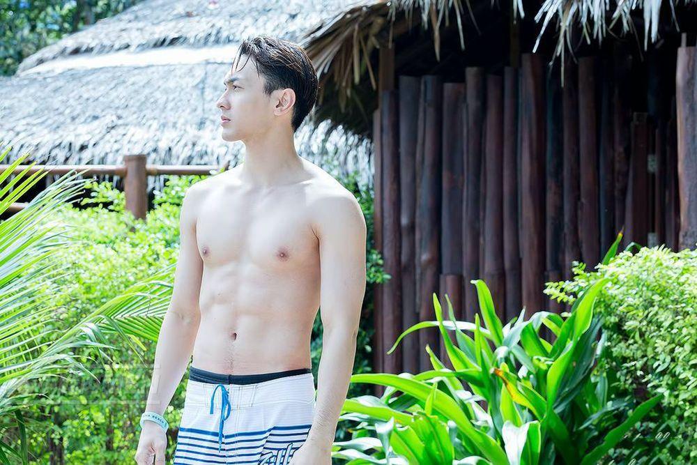 泰国歌手NATTHEW普吉岛性感写真集