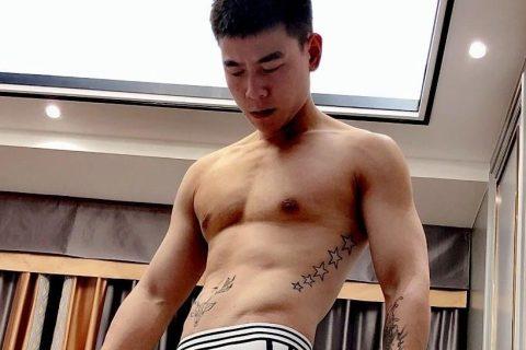 腹肌小哥,为你演绎内裤怎么穿才好看