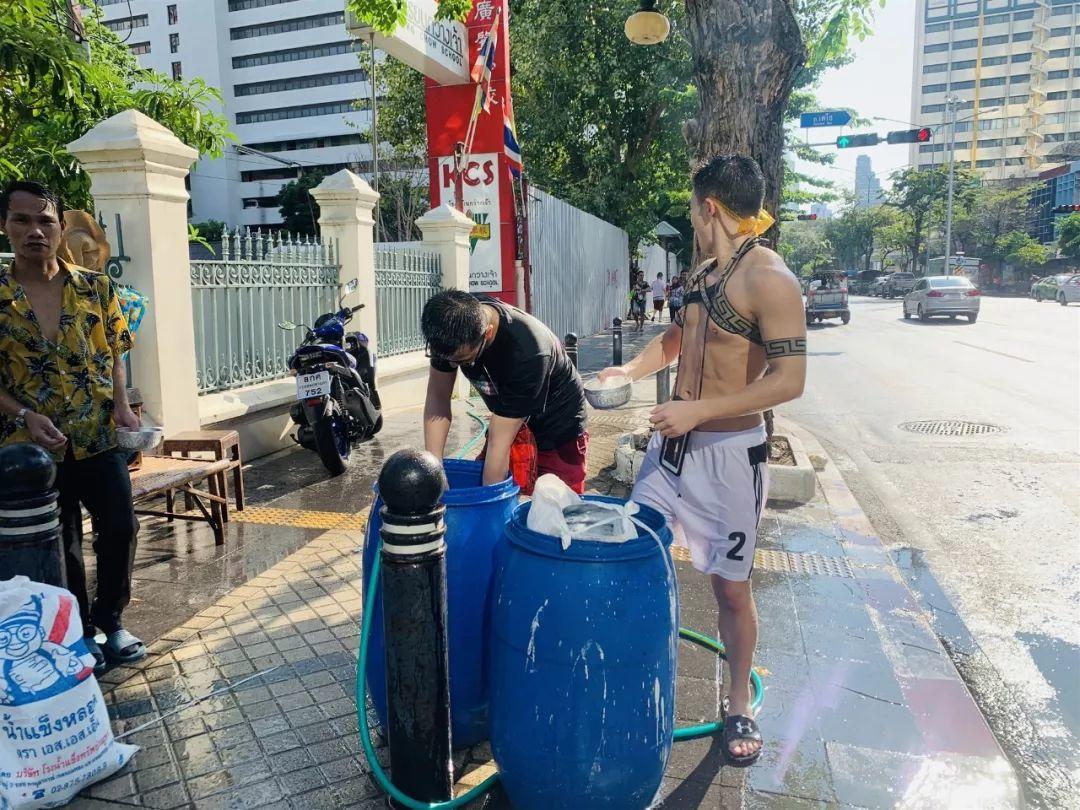筋肉体育生的泰国之旅纪实~【微信:L741978923】
