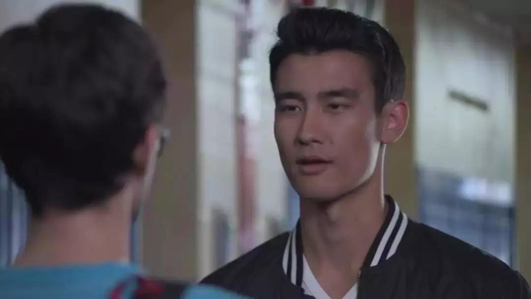 亚裔医生未播先红,私底下原来是这么放飞自我的?