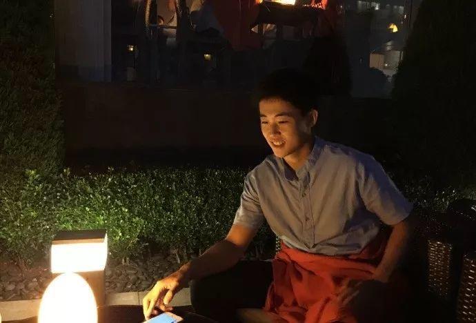 还记得他么?那位靠着一张照片火了全网的少年