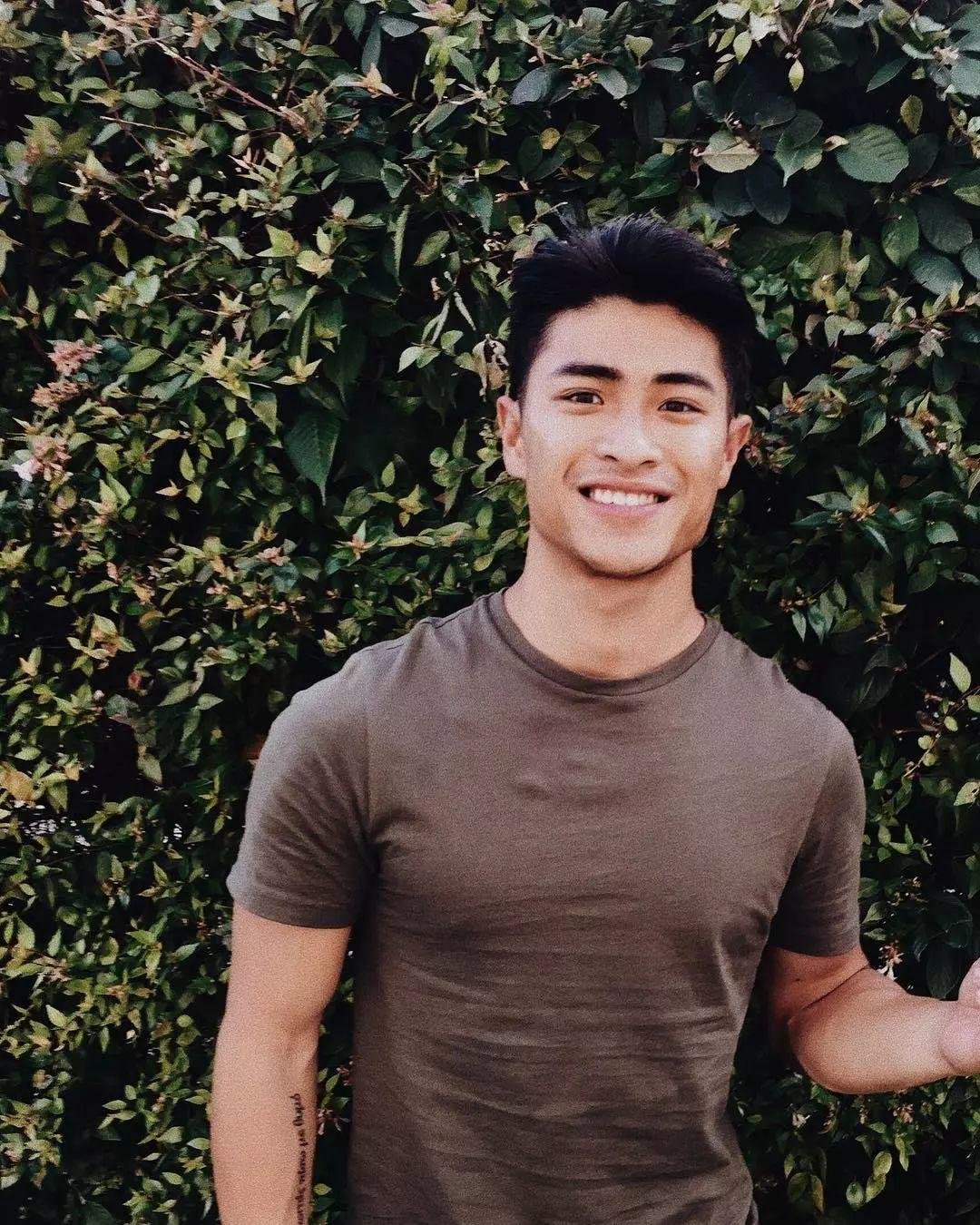 他成为首位登上杂志的亚洲男模,这套写真刷屏了朋友圈!