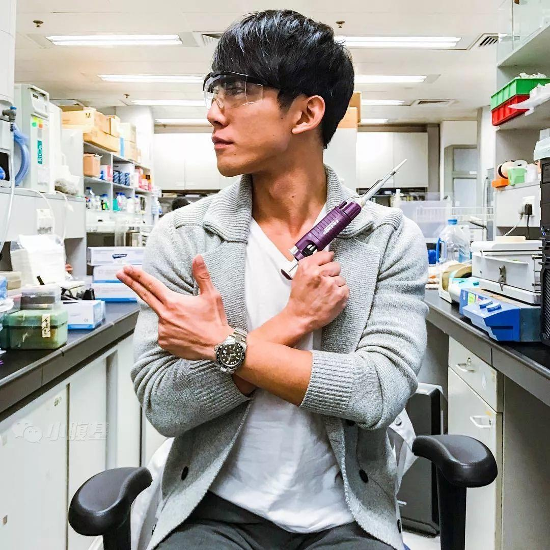 香港某生物老师,居然是童颜巨乳!