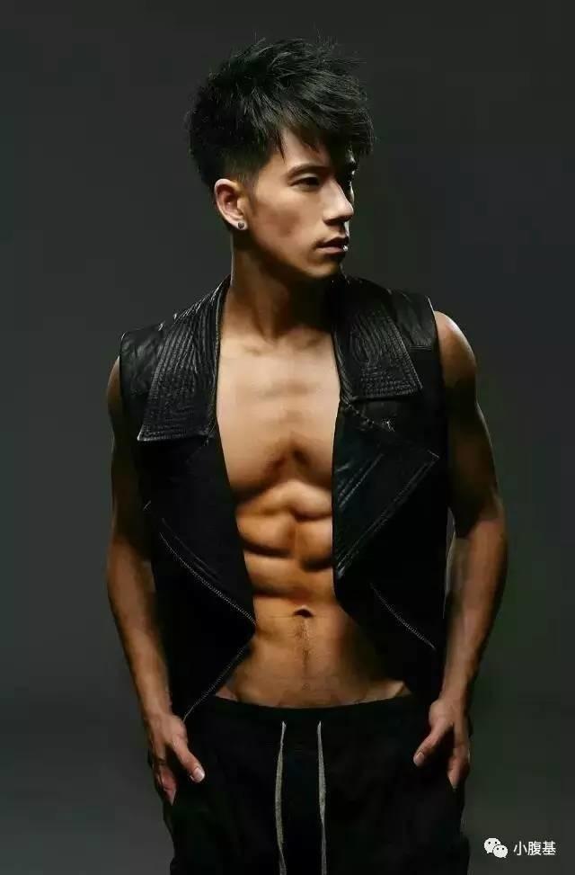 穿衣显瘦脱衣有肉,男体写真更是啪啪啪拍不停~