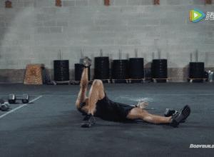 【组图】一副哑铃,6个动作,让你在家练爆全身! 健身穿搭 第6张
